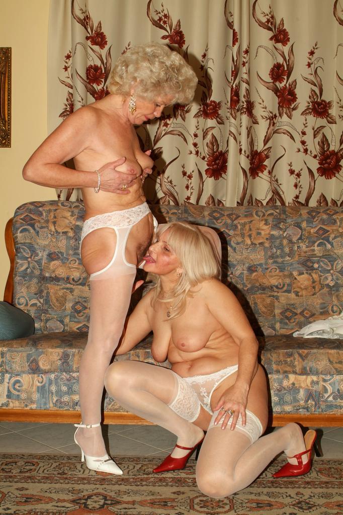 p-foto-pozhilie-lesbi