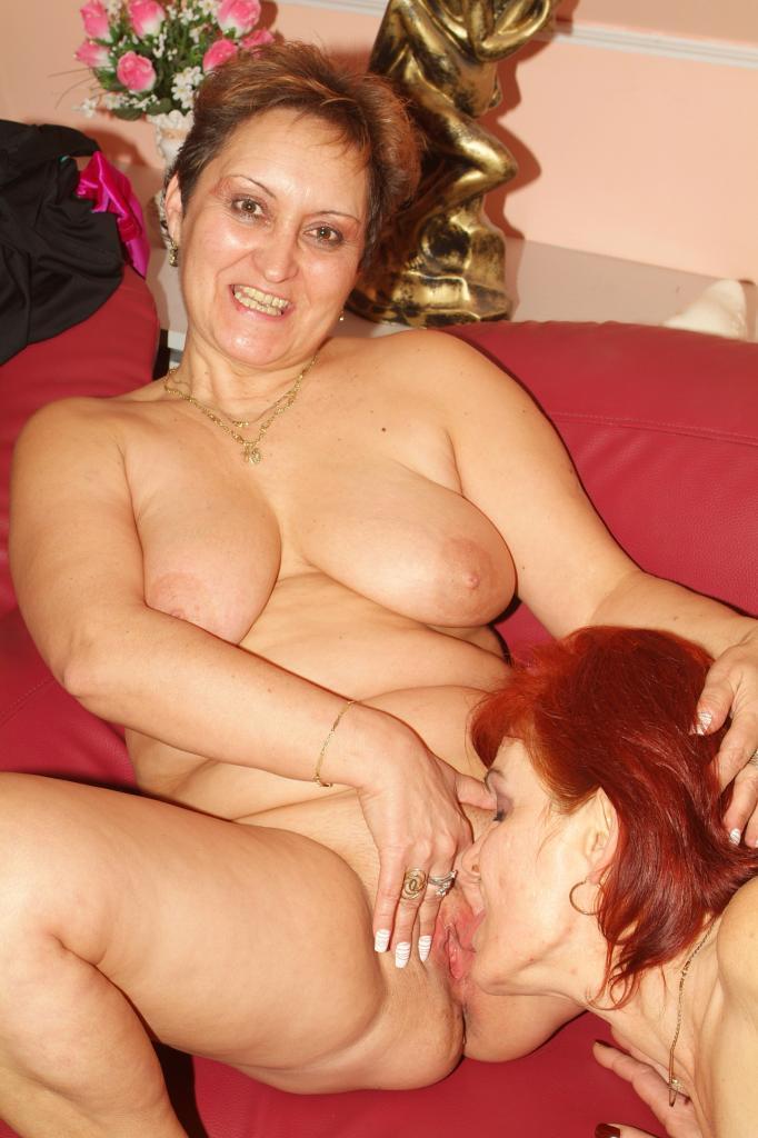 Lesben Jungfrau Brustwarzen Facialsex